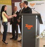 Ziel erreicht - Entgegennahme des begerten ZbW-Diploms